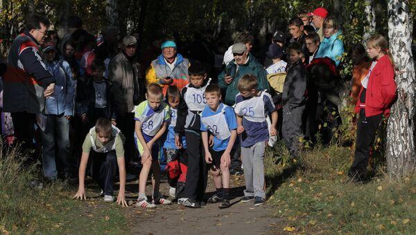 Школьники в Омске зарядились бодростью на празднике бега
