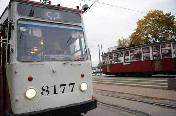 Рядом с мемориалом «Блокадный трамвай» располагается трамвай