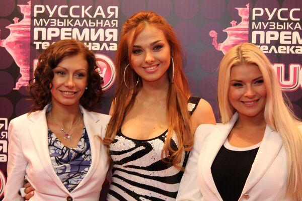 Лучших популярных исполнителей наградили золотыми самоварами в Москве