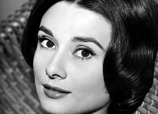 Британская и американская актриса, фотомодель и гуманитарный деятель Одри Хепберн