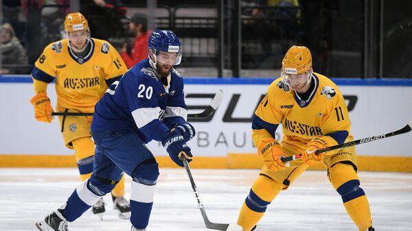 Лукаш Седлак (справа)