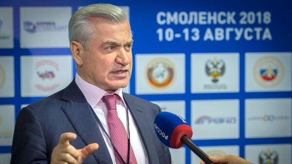Первый вице-президент Федерации спортивной борьбы России Омар Муртазалиев