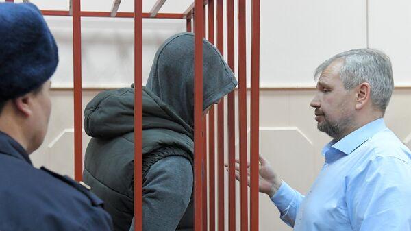 Суд оценит законность продления ареста экс-полицейским по делу Голунова