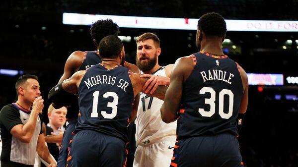 Потасовка в матче НБА между командами Нью-Йорк Никс и Мемфис Гриззлис