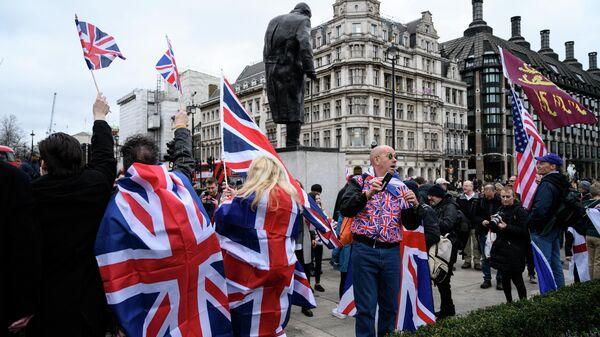 Сторонники Brexit на торжественных мероприятиях, посвященных выходу Великобритании из ЕС (Brexit Party) на площади Парламента в Лондоне