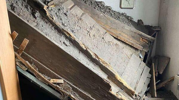 Обрушение потолка  в жилом доме в городе Кунгуре Пермского края