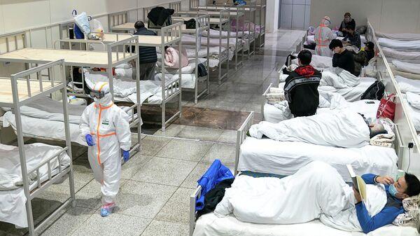 Уханьский Международный выставочном центре, который был преобразован в импровизированную больницу для приема пациентов с легкими симптомами, вызванными новым коронавирусом, в Ухане, провинция Хубэй, Китай. 5 февраля 2020 года