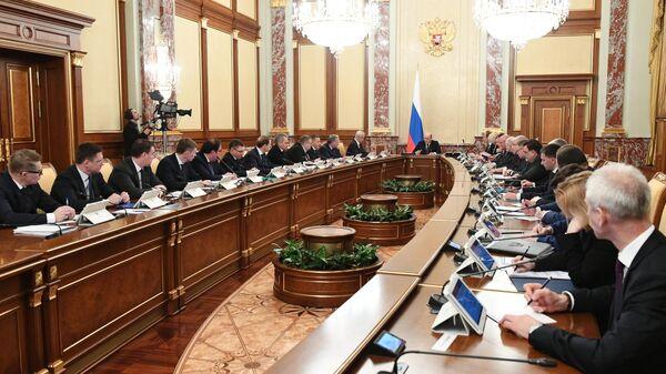 Председатель правительства РФ Михаил Мишустин проводит совещание с членами кабинета министров РФ. 6 февраля 2020