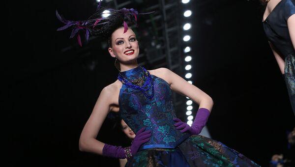 Показ коллекции Славы Зайцева в рамках недели моды Mercedes-Benz Fashion Week Russia