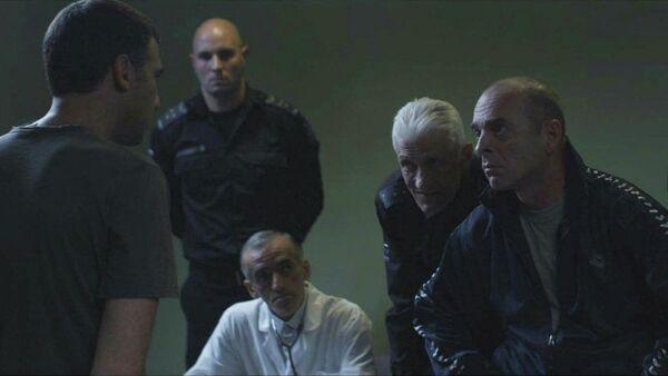 Кадр из фильма Беспредел