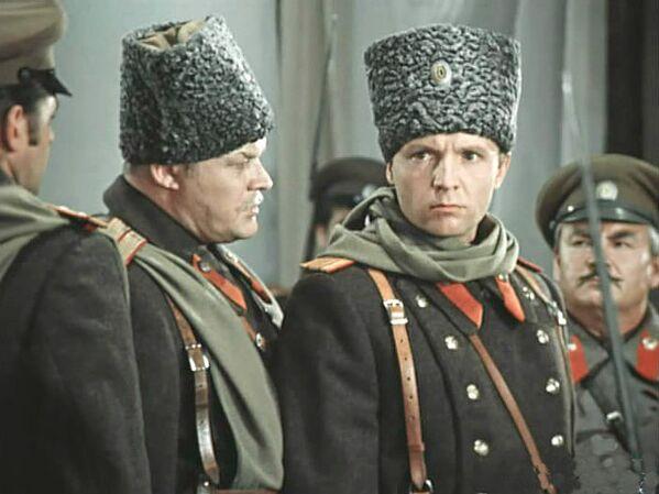 Кадр из фильма Дни Турбиных