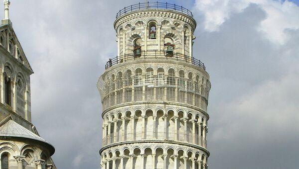 Пизанская колокольня, Пиза, Италия. Архивное фото