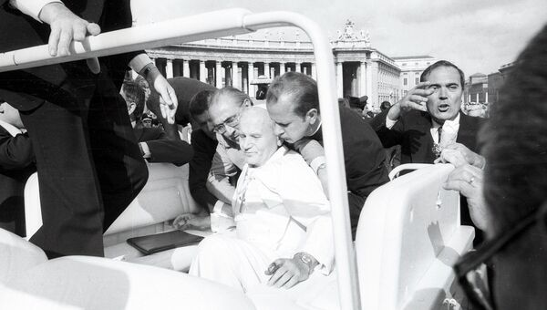 Папа Римский Иоанн Павел II в день покушения