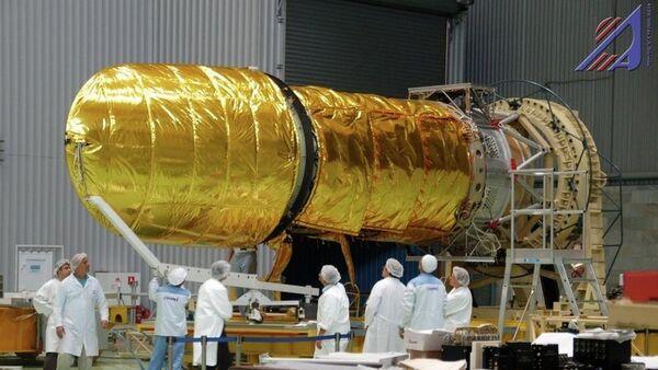 Космическая обсерватория Спектр-УФ в цехе НПО имени Лавочкин