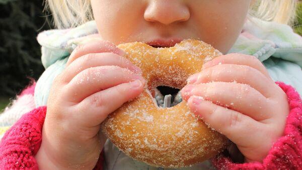 Случаи обнаружения опасных предметов в еде