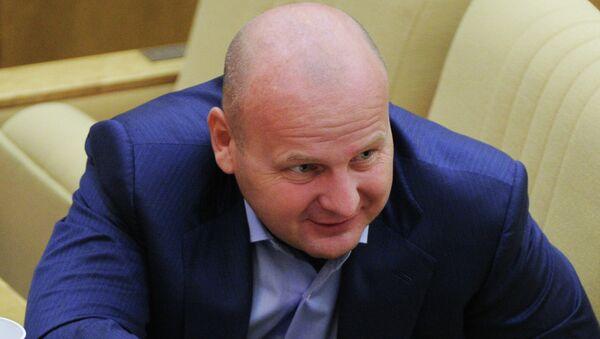 Член комитета Госдумы РФ по земельным отношениям и строительству Алексей Кнышов