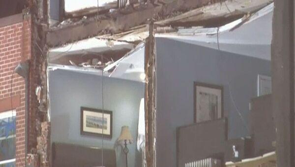 Ураган Сэнди сломал подъемный кран и оставил без стен квартиры в США