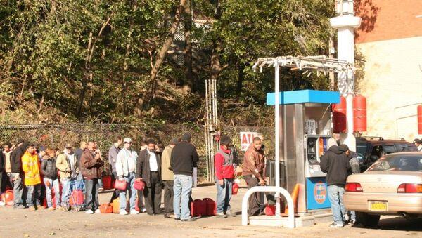 Начало продажи бензина в Нью-Йорке после урагана Сэнди