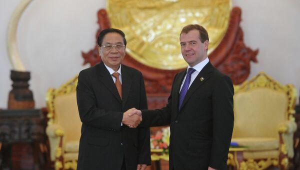 Д.Медведев провел переговоры с руководством Лаоса