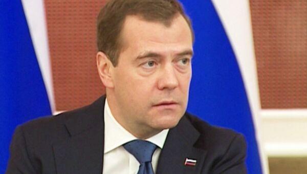 Медведев прокомментировал отставку Сердюкова и переизбрание Обамы