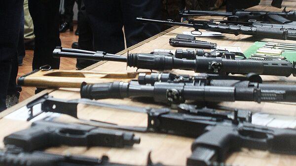 Демонстрация стрелкового оружия в Центральном научно-исследовательском институте точного машиностроения (ЦНИИТОЧМАШ). Архивное фото
