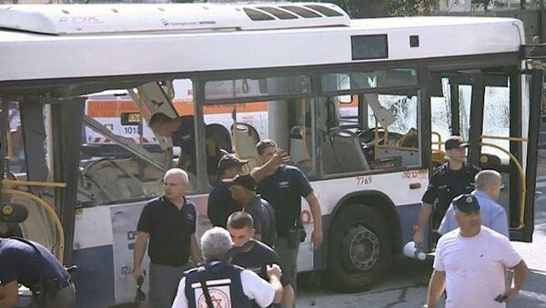 Первые кадры после взрыва в автобусе в центре Тель-Авива