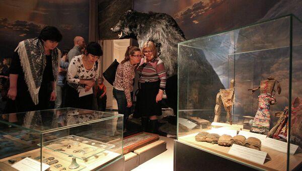 Чучело пещерного медведя в томском краеведческом музее