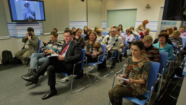 Семинар Мультимедийная журналистика. Как работать с фото- и видеоформатами в томском медиацентре РИА Новости