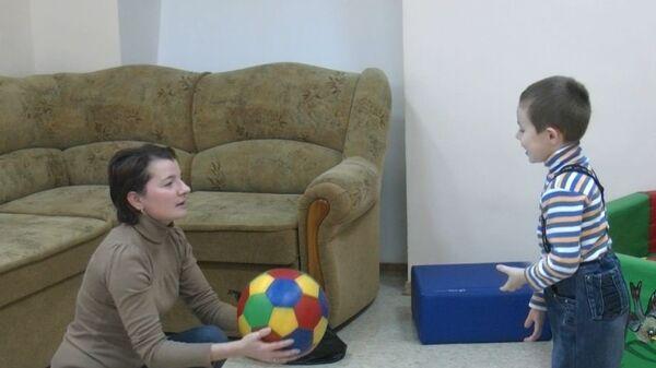 Парус надежды задумывался как центр помощи ребятам с детским церебральным параличом, а сейчас там принимают детей-аутистов