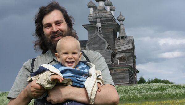 Руководитель добровольческой организации по возрождению деревянных храмов Севера Общее дело, священник Алексей Яковлев