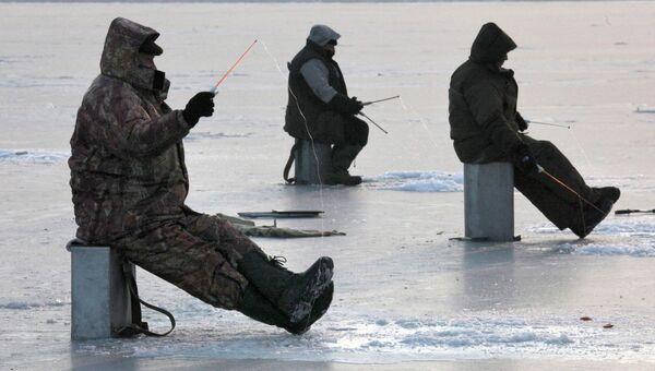 Рыбаки, архивное фото
