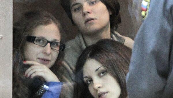 Участницы панк-группы Pussy Riot. Архивное фото