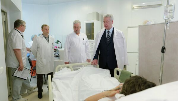 С.Собянин навестил в больнице пострадавших в аварии ТУ-204