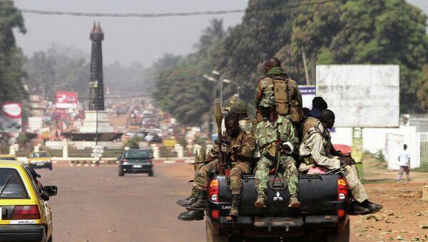 Солдаты ЦАР патрулируют улицы