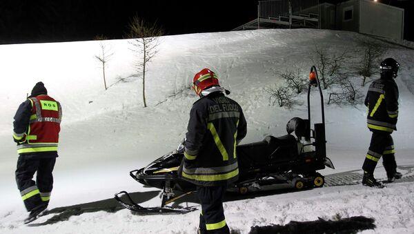 Эвакуация разбившихся российских туристов в Альпах