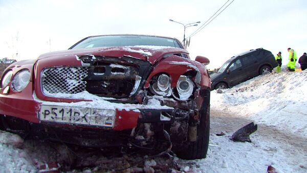 Столкновение шести машин на Кутузовском проспекте. Кадры с места ДТП