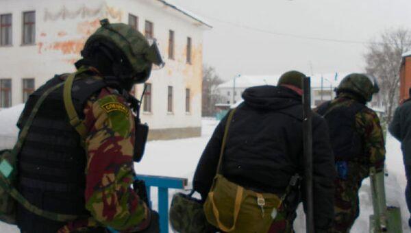 Операция по пресечению действий вооруженного мужчины в городе Салават в Башкирии