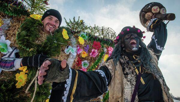Жители села Красноильск Черновицкой области во время празднование украинского народного праздника Маланки
