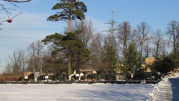 Кладбище, фото из архива