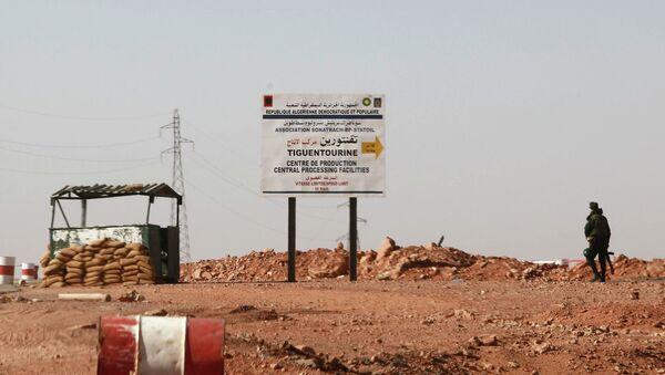 В районе газоперерабатывающего завода в Алжире, где боевики захватили заложников