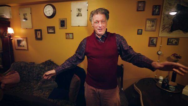 Где живут знаменитости: мебель с помойки в квартире Сергея Колесникова