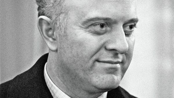 Эдуард Амвросиевич Шеварднадзе. Архивное фото