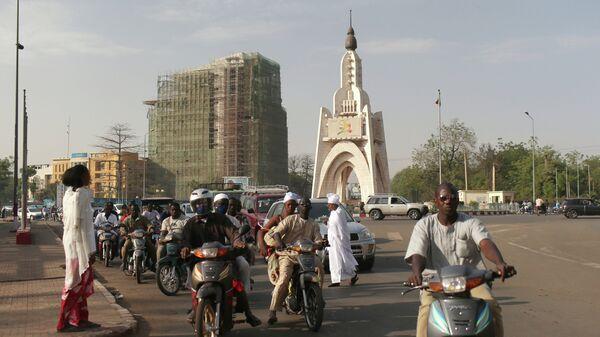 Одна из улиц города Бамако в Мали. Архивное фото