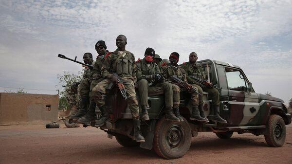 Солдаты правительственных войск Мали