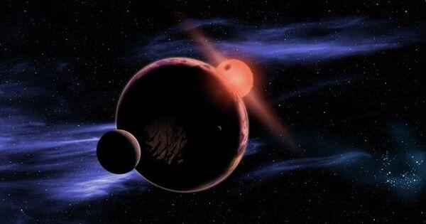 Планета звезды-красного карлика и ее луны глазами художника