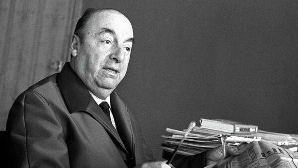 Чилийский поэт-публицист Пабло Неруда. Снимок 1972 года.