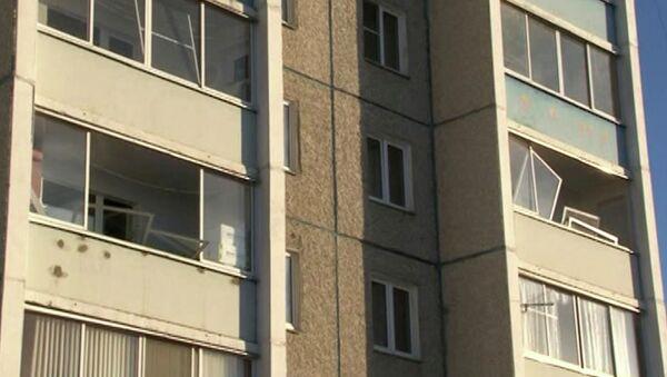 Разрушения остекления высотных зданий в Челябинске