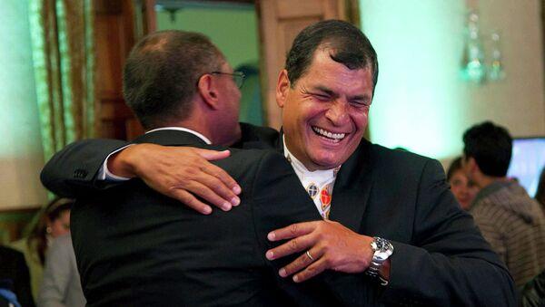 Рафаэль Корреа вновь стал президентом Эквадора