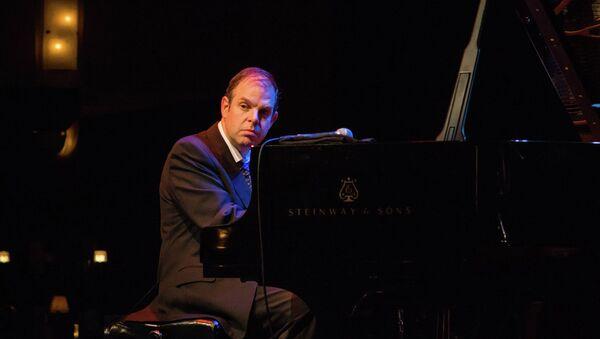 Пианист Билл Чэрлап