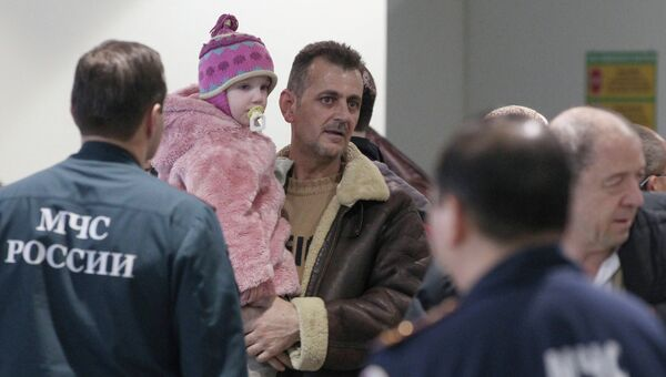 Самолет МЧС вывез граждан России и СНГ из Сирии. Архив